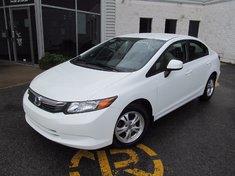 Honda Civic LX-comme neuf 2012
